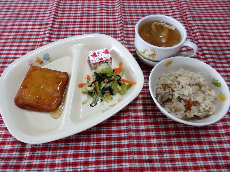 きのこごはん 白身魚と豆腐のステーキ